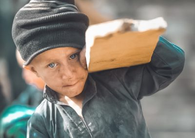 A little hard worker from a slum in Peshawar